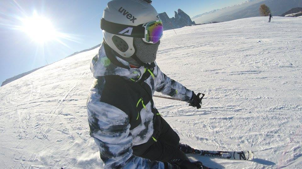 Some software engineer skiing in the Italian Dolomites.